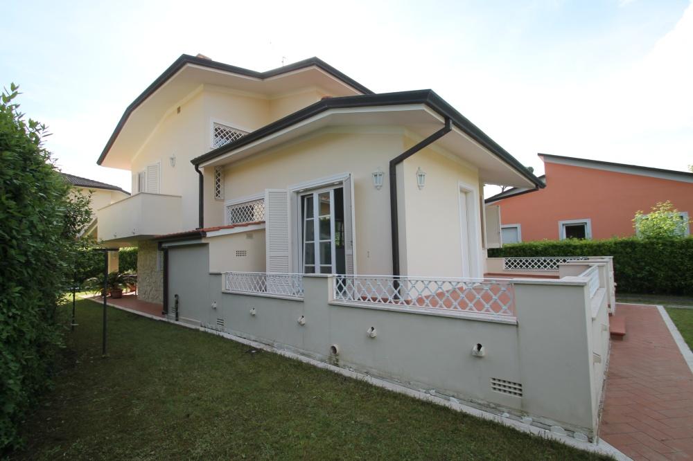 Дом в Марина ди Пьетрасанта