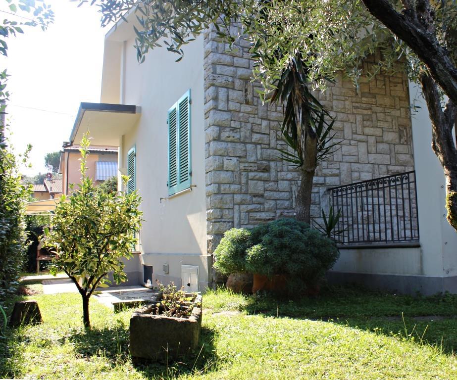 Отдельный дом в Марина ди Пьетрасанта