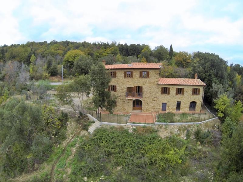 Дом в Тоскане, 20 км. от моря.