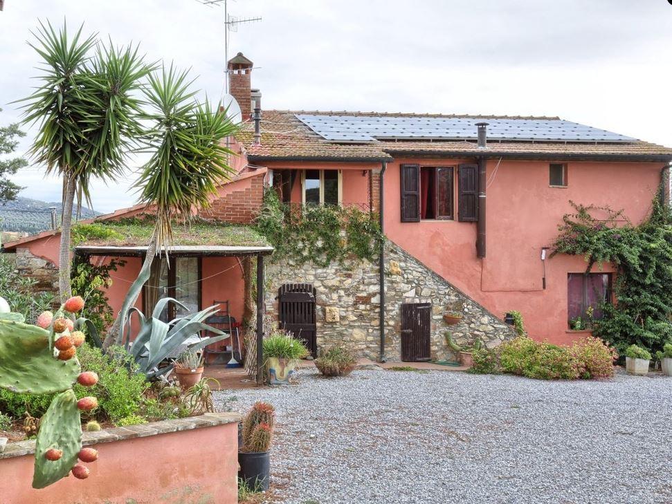 Дом с виноградником в Тоскане